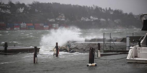 Image: Møkkavær: Farevarsel over hele landet