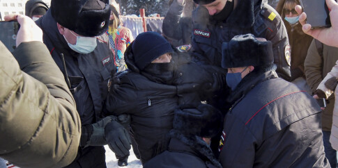 Image: Flere tusen demonstrerer mot Putin
