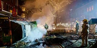 Image: Coronaprotester i Nederland - kaster fyrverkeri