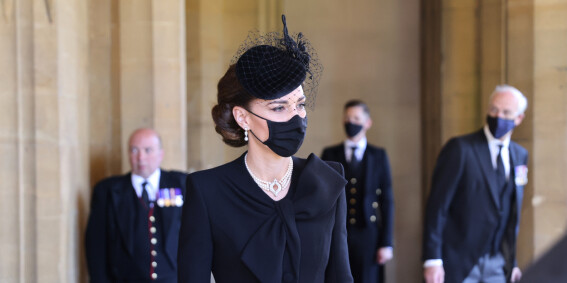 Image: Lånte juveler av dronninga