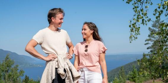 Image: Lykken smiler for «Sommerhytta»-profilen