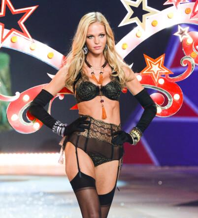 Image: Victoria's Secret-modellen med skandaleavsløring